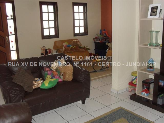<b>V0193 </b> - CASA JARDIM CAÇULA
